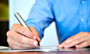 Как написать объяснительную на имя директора на работе?